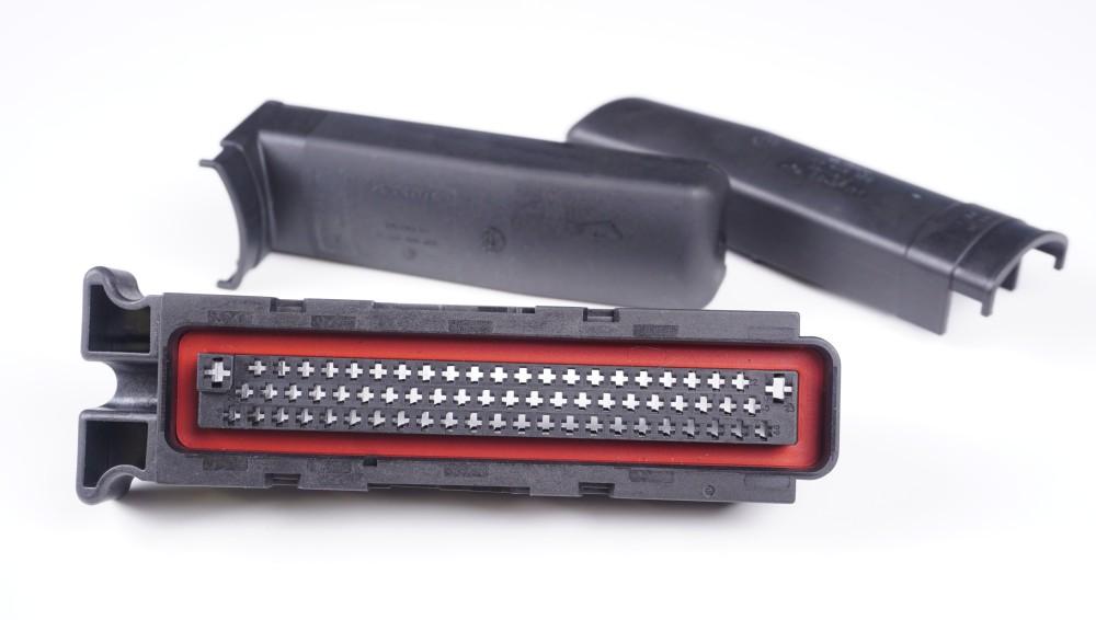 1H0 906 365 Flachkontaktgehäuse (68-polig)