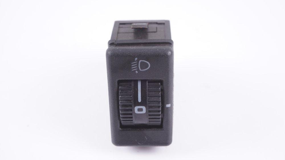 443 941 301 01C Schalter für Leuchtweitenregulierung Audi 100