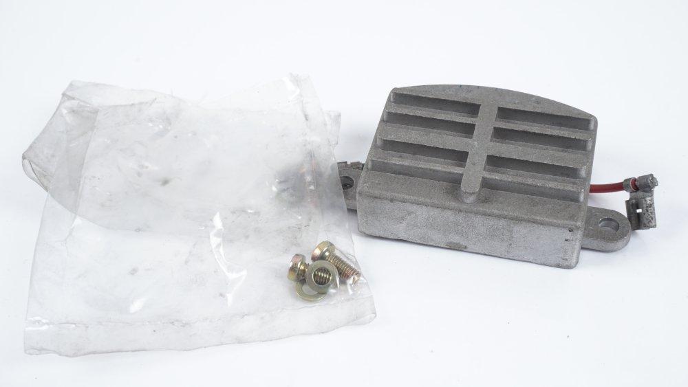 055 903 803 Spannungsregler für VW- und Audi-Modelle