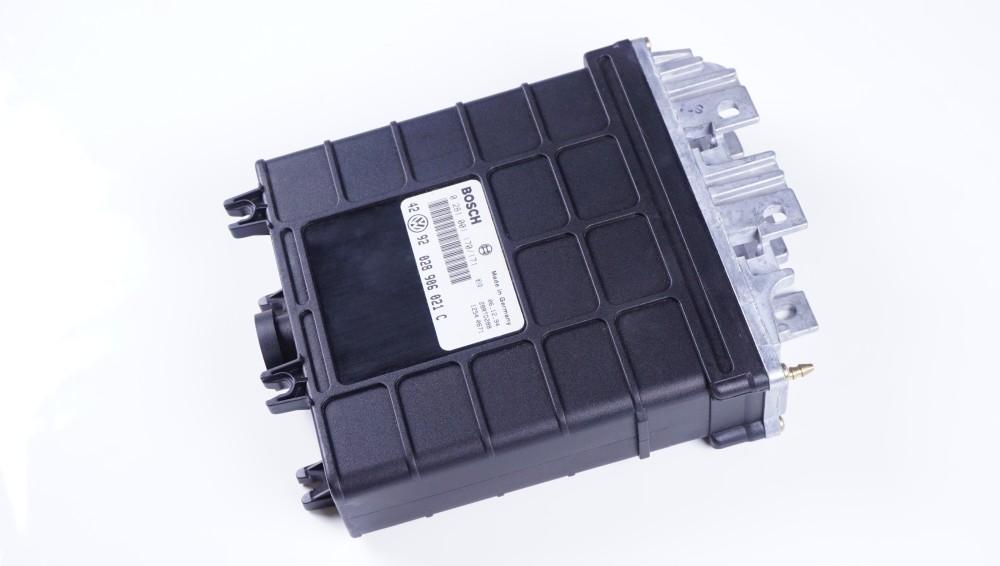 028 906 021 C Steuergerät TDI Bosch